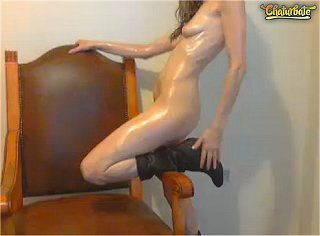 chaturbate cam girl with fine legs all oiled up
